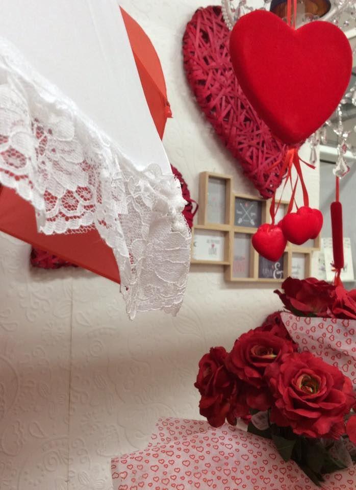 L'amore coglie sfumature invisibili a un occhio indifferente e ne trae conseguenze infinite. (Stendhal)   Dettagli allestimento di S.Valentino 2016 by Euroflora srl