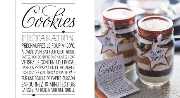 préparation pour cookies dans un joli bocal avec la recette à imprimer