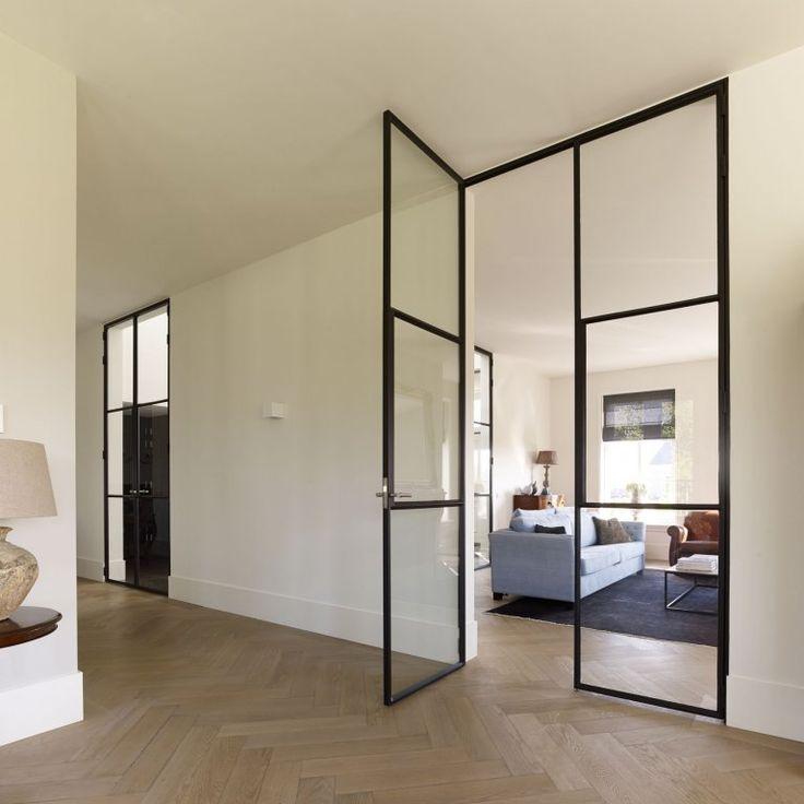 25 populairste idee n over stalen deuren op pinterest glazen deuren - Hal ingang design huis ...