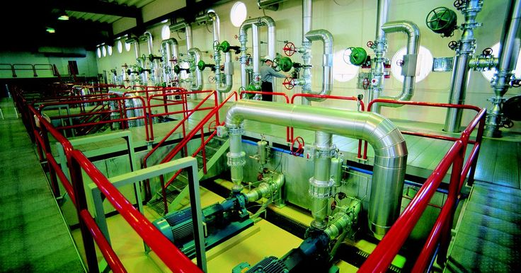 ¿Cómo se clasifican las tuberías de acero?. Las tuberías de acero se clasifican de acuerdo a las normas ASTM (Sociedad Norteamericana para Pruebas de Materiales) y las normas ASME. ASTM International es la empresa que emite las normas para la mayor parte de las tuberías de acero, y ASME generalmente emite normas para tuberías a presión. ASTM es una gran organización que desarrolla normas ...