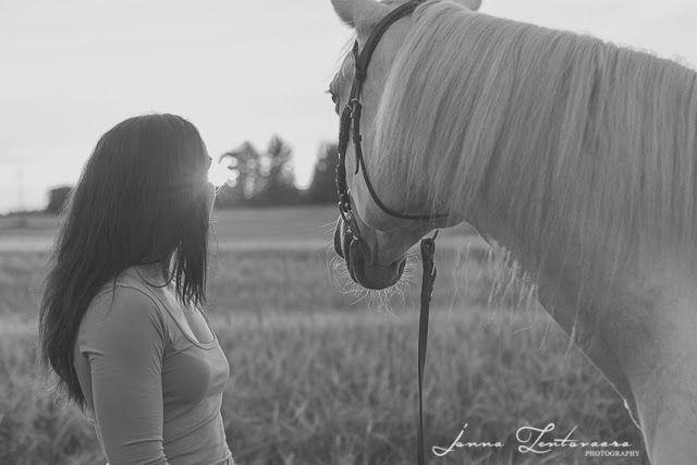 Tyttö ja hevonen ♥ / IKUISTETAAN TUNNE.