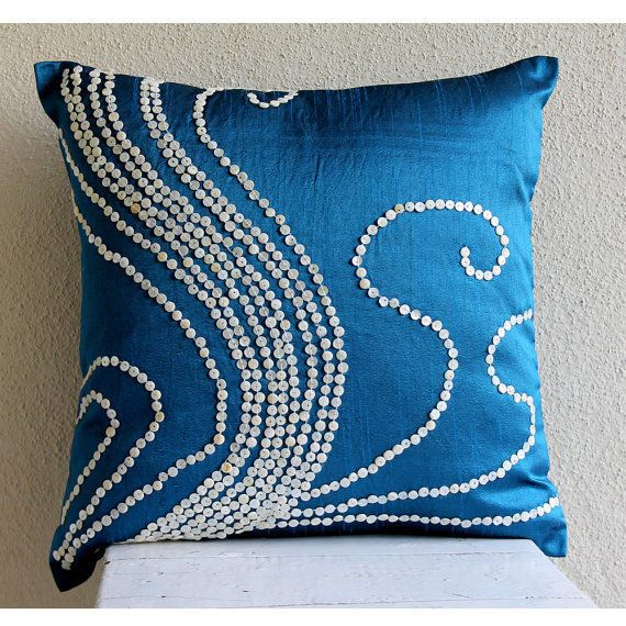 Best 25+ Blue Pillows Ideas On Pinterest