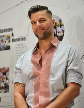 Ricky Martin lamenta apagamiento de Bahía Bioluminiscente