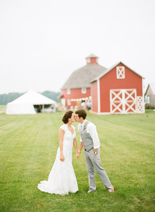 Barn Wedding - this picture is perfection to me :)
