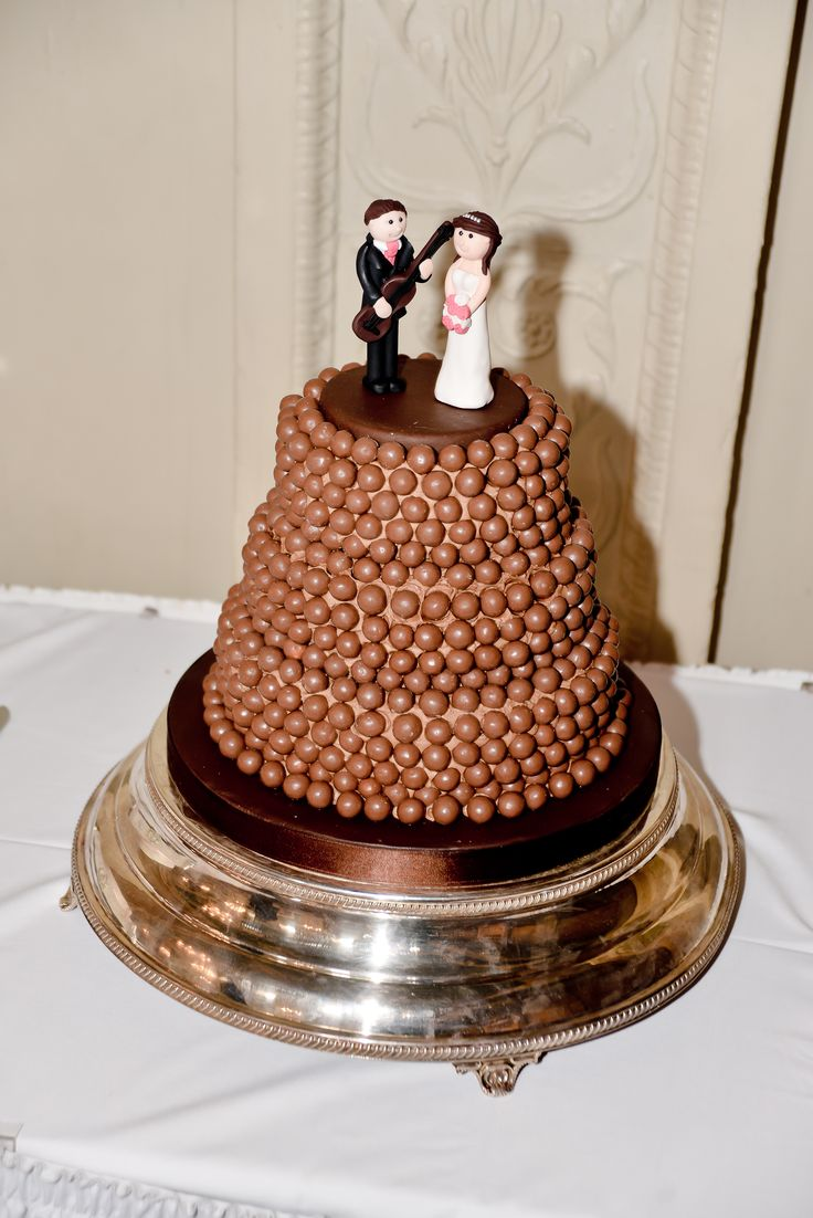 malteser wedding cake 17 best ideas about malteser cake on maltesers 17092