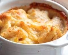 Gratin de salsifis et jambon cru : http://www.cuisineaz.com/recettes/gratin-de-salsifis-et-jambon-cru-11896.aspx