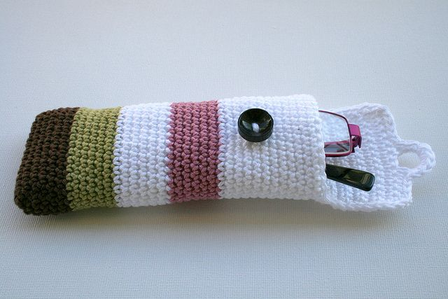 Crochet glasses pouch by Anat Dvir, via Flickr
