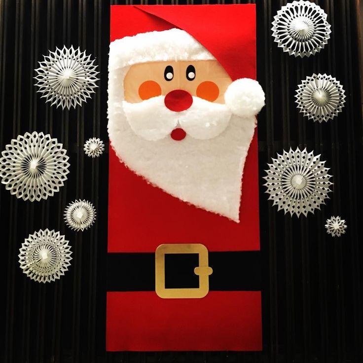 Kto był grzeczny?! Bo foyer jest już gotowe na wizytę Świętego!  #encek #mikołaj #święta #zima #choinka #prezenty #świętymikołaj #spektakl #dzieci #radość #foyer #scenaNCK #kulturaKRK #christmastime #santaclaus #santaiscoming #nowahuta #isready