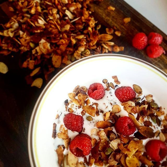 Reposting @fitfueled: Do you ever miss cereal on keto? This #keto granola made with flaked coconut, diced pecans, pumpkin seeds and sliced almonds hits the spot. It's loaded with healthy fats, protein and fiber. This is a high calorie breakfast, very filling and about 6g net carbs per 3/4 cup. _  #breakfast #granola #grainfree #glutenfree #sugarfree #instafood #lowcarb #healthyfat #convenient #delicious #crunchy #ketogenic #love #amazing #nutrition #instalike #fitness #transform #fitfood