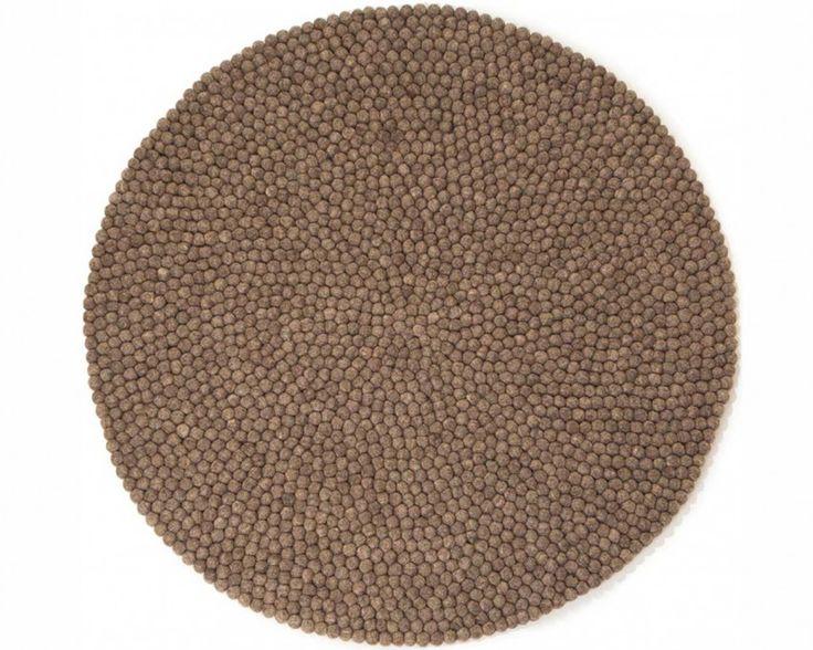 Alfombra de Bolas de Fieltro Ashley. http://www.sukhi.es/redondas-ashley-alfombras-de-bolas.html