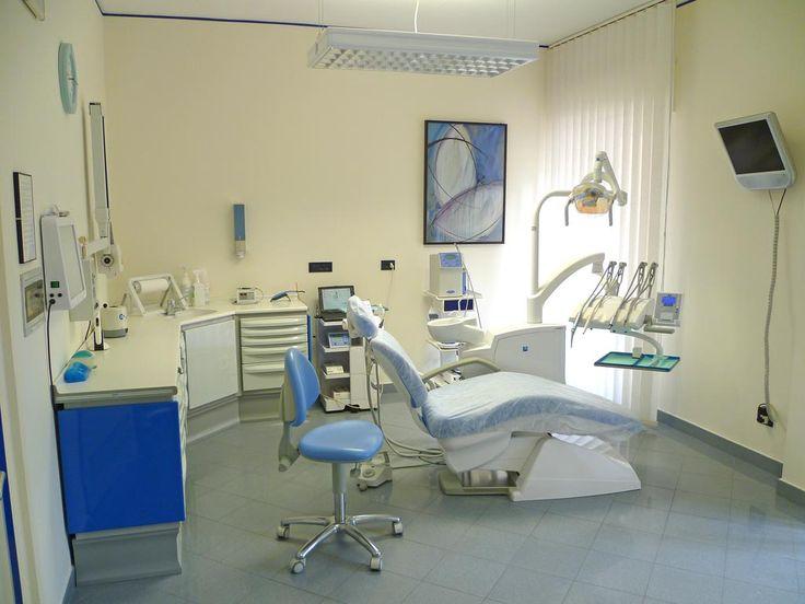 Problemi di denti? Lo studio dentistico del dott.Ugo Brancolini di Brescia e Manerbio svolge attività odontoiatrica per adulti e bambini.