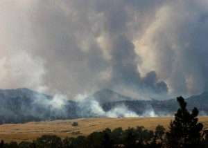 Wyoming Governor Matt Mead visited the Arapaho fire northwest of Wheatland earlier this week and visited with firefighters. Help is arriving to bolster ranks battling a growing wildfire near Newcastle.