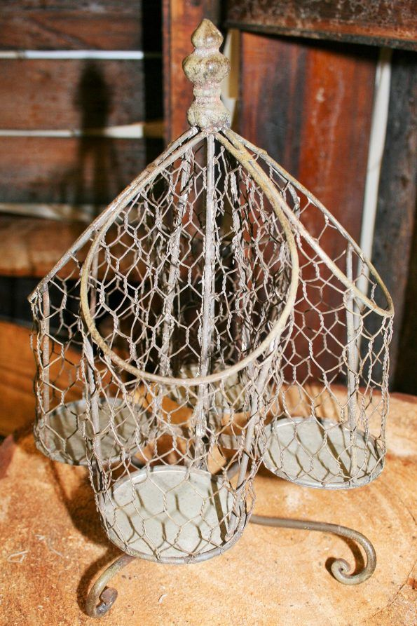 Chicken Wire Utensil Holder #utensilholder #rustic #chickenwiredecor #buffettable #propsforhirepuyallup #weddingrentals #partytables #eventideas #serveware