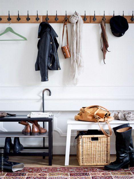 Eri tyyliset kalusteet luovat kodikkuutta.