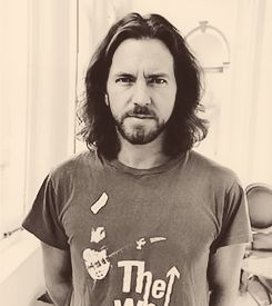 Eddie Vedder pearl jam will always be my first love <3