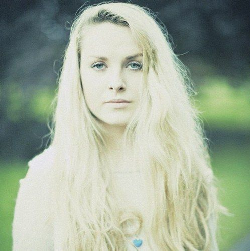 Shannon Saunders. I am in love with this girl.
