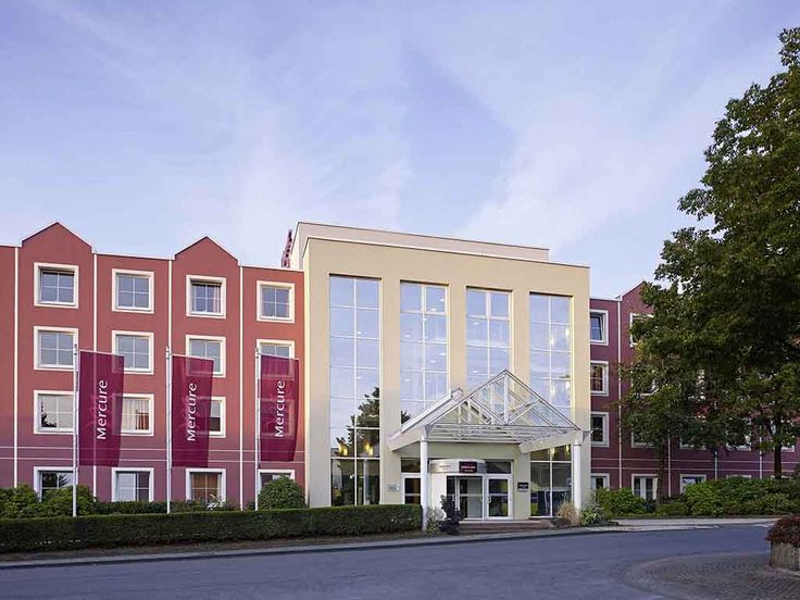 MERCURE HOTEL REMSCHEID: The 3-star Superior Mercure Hotel Remscheid lies in the heart of the Bergisches Land area, between Wuppertal and…