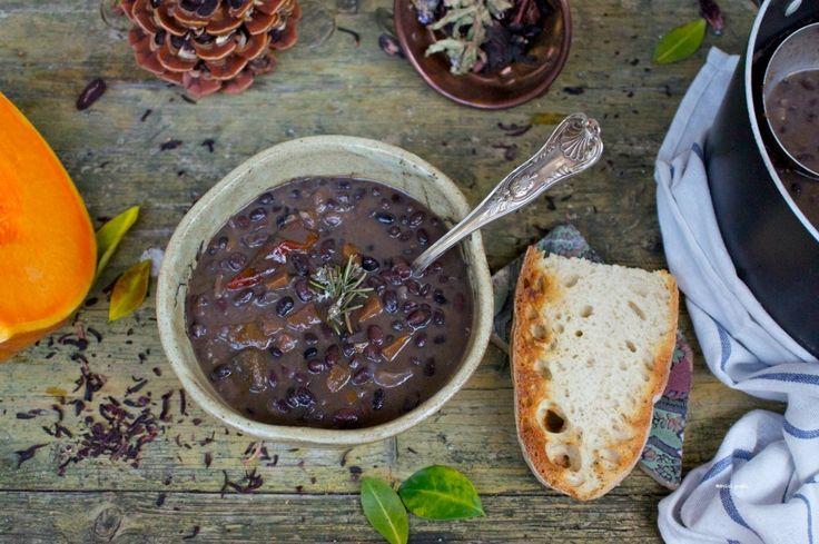 zuppa di fagioli neri e zucca