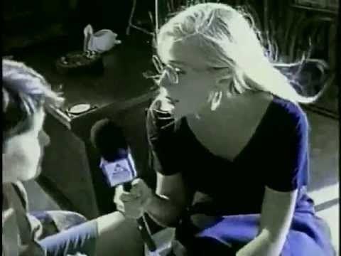 ▶ Ricardo Arjona - Señora de las Cuatro Décadas (Video Oficial) - YouTube