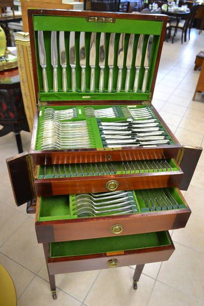 1000+ images about Silverware chests on Pinterest | Queen ...
