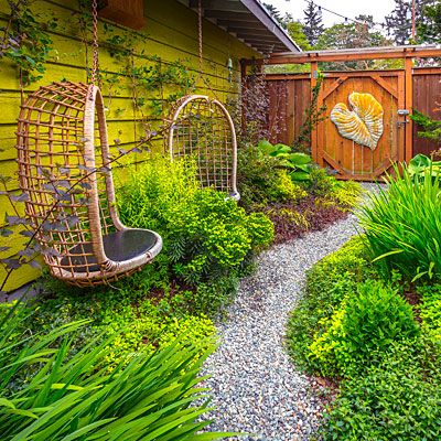A narrow side yard, previously just a thoroughfare, becomes a super-sweet hideout for two.