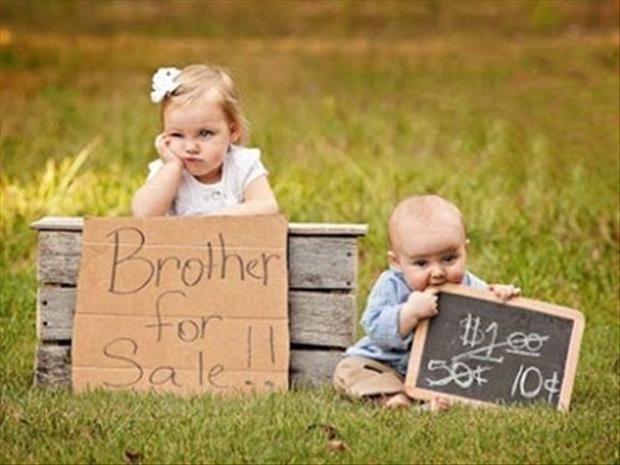 LOL. Hilarious photo shoot idea...#sibling #posing for #photographers