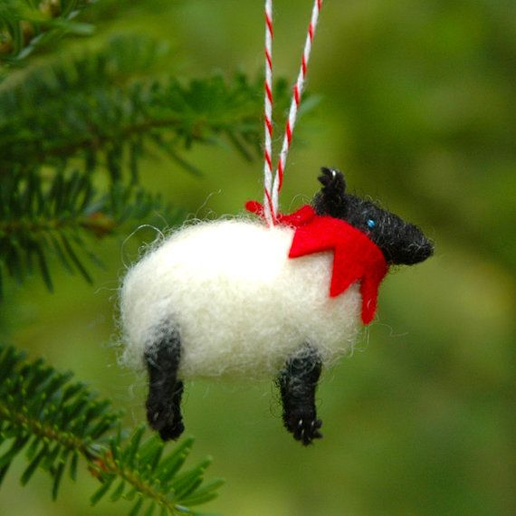 Be proud to be a kiwi and have a sheep on your Christmas tree ...create a tree with New Zealand Icons or use as part of a travel Christmas tree...