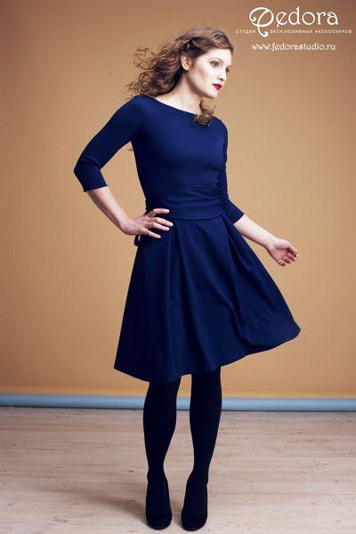 Платье Шанталь благородного тёмно-синего цвета! Рукав 3/4. Красивая струящаяся юбка, широкий пояс-кушак. Состав: трикотаж-вискоза. Размер 42-48. 5500 руб.