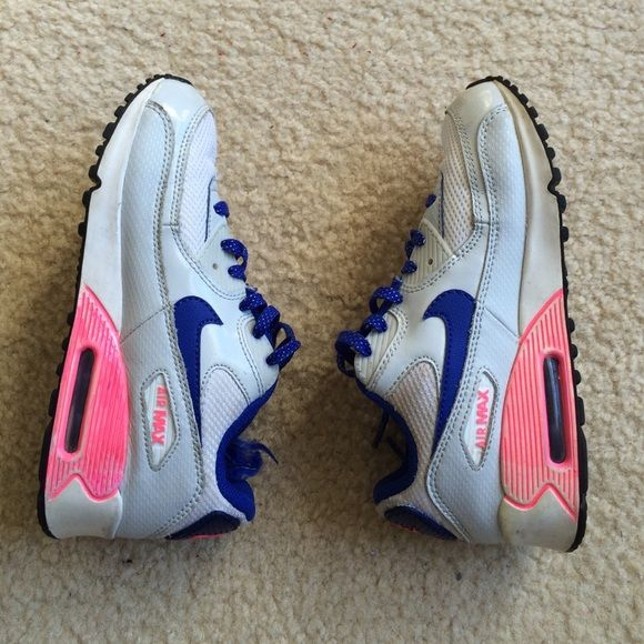 Girls Nike Air Max sneaker 2.5y Super cute & affordable girls Nike Air Max sneakers • size 2.5y • Light gray, royal blue & pink • 6/10 because pink park faded from machine washing.  Tried to cover it up with pink Sharpie  Nike Shoes Sneakers