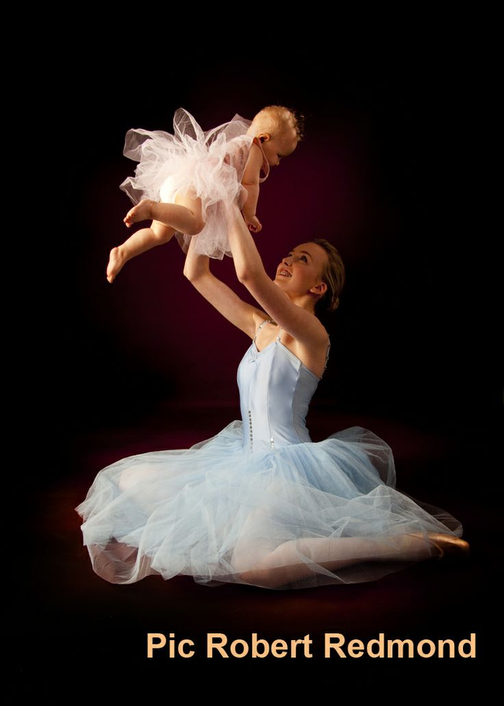 Mother and child in Ballet