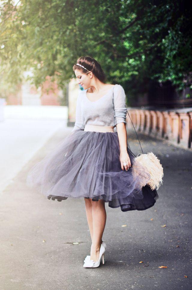 濃淡を意識したコーデでクラシカルな着こなし♪チュールプリーツスカートのコーデ♡スタイル・ファッションの参考に♪