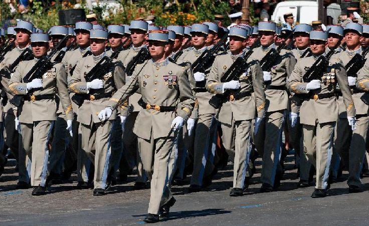 Pour intégrer un des corps de l'armée française, découvrez la formation à suivre et les conditions requises !