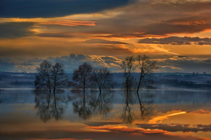 Colour is to the eye, what music is to the ear.  On the #Lake, Kalohori #Macedonia in northern Greece  #landscape #POD #nature #photography #serenity on the lake  Photo by: Dimitrios Lamprou