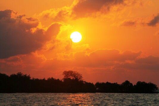 Beyond amazing. NO FILTER SUN PHOTOGRAPH AT PULAU GILI