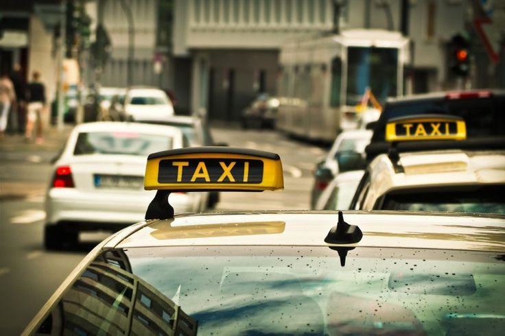 Duisburg-Dellviertel: Osteuropäer überfallen Taxifahrer