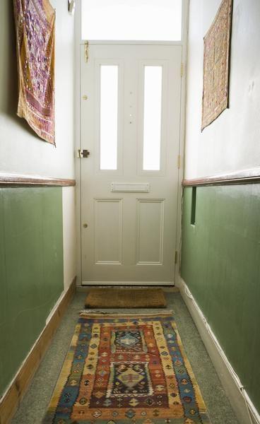 How to Visually Widen a Narrow Hallway