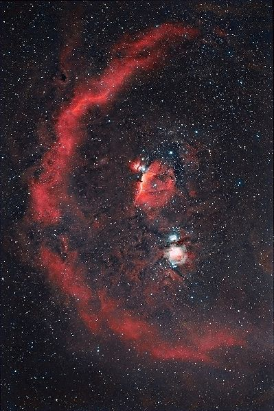 Barnard's Loop (Sh 2-276) : Emission Nebula - Estimates place this nebula at 518 light-years or 1,434 light-years away the constellation of Orion; a part of the Orion Molecular Cloud Complex. It is thought to have originated from a supernova explosion about 2 million years ago and may have caused a few runaway stars to occur, including AE Aurigae, Mu Columbae and 53 Arietis - Image : Hewholoks / December 25, 2008