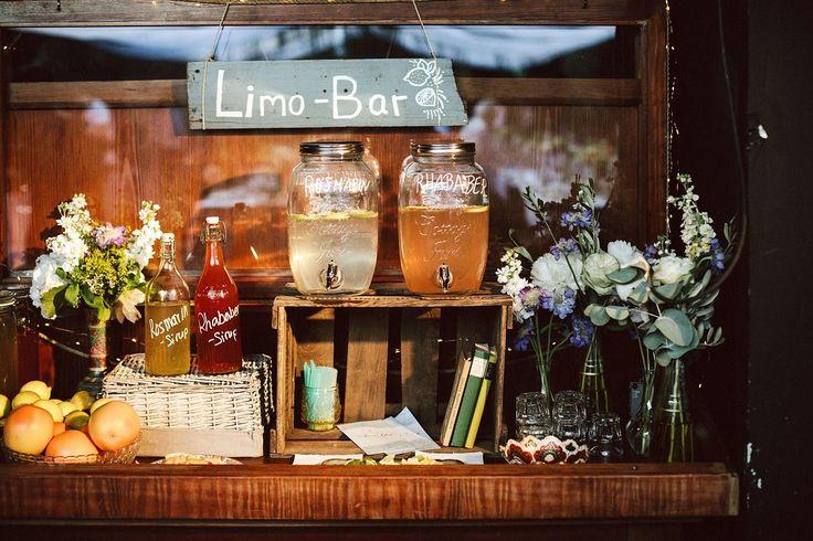 Limonadenbar, Hochzeit auf einem alten Frachtschiff bei der Berliner Welle // Ann.Meer by Anna-Maria Dahmen
