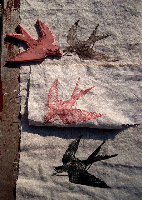 testing on linen | Flickr: Intercambio de fotos http://www.pinterest.com/jjjohnsonauthor/create-stamps-prints-screen-printing-stencils/