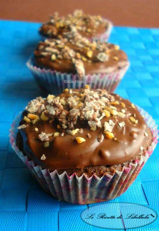 Che adoro i dolci lo avevate capito, che mi piace la cioccolata anche, e con questa ricetta avrete anche capito che adoro i Ferrero Rocher! Dopo avervi pro