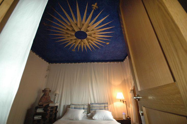 Soffitto in foglia d'oro e blu lapislazzuli.Roma
