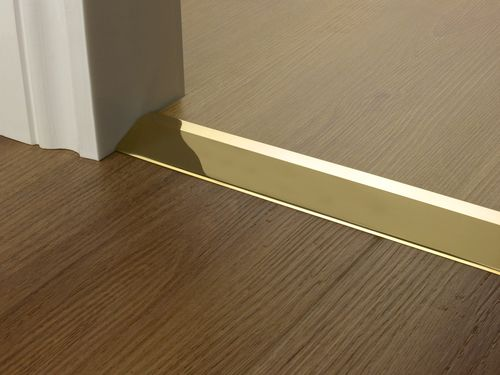 Premier Trim Ramp16mm In Brass Flooring Doorbar Lvt Http Stairrods Co Uk Door Bar Ramp 10mm Metal Floor Flooring Floor Trim