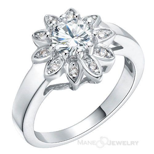 Cincin kawin model sun adalah cincin single cantik yang dipersembahkan untuk wanita masa kini. Tampilannya begitu indah dengan tatanan batu zircon yang disusun membentuk seperti matahari. Dengan batu inti yang berukuran lebih bessar di bagian tengahnya. Permukaan cincin menggunakan finising full putih kilap sehingga kesan mewah dan elegan lebih terasa. Untuk anda yang menyukai batu …