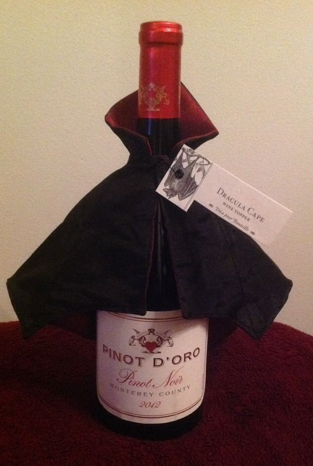 Wine Bottle Topper Dracula Cape Vampire Halloween Decoration Bar Rack Cork Glass