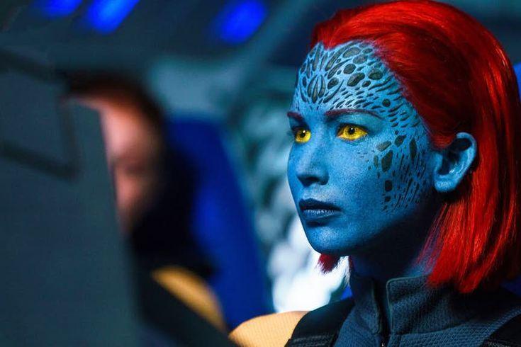 X Men Raven Marvel Comics In 2020 Jennifer Lawrence Mystique Female Superheroes And Villains Dark Phoenix
