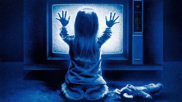 Et si le rêve des annonceurs devenait réalité: un nouveau média qui permettrait de jumeler la puissance du média de masse qu'est la télévision, avec la précision, l'ubiquité et l'instantanéité de la publicité en ligne. Le Big Data à la rescousse de TF1 http://www.webmarketing-com.com/2015/03/24/36670-le-big-data-a-la-rescousse-de-tf1 #Marketing