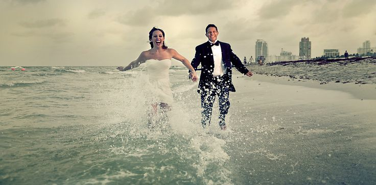 Trash the dress by night in Miami Beach with Steph & Jeff