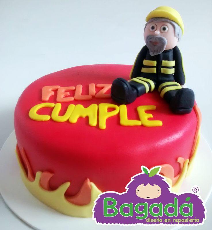 Pastel cumpleaños bombero. Bagadá repostería tel. (33) 15 95 49 84 echalegalleta@gma.... FB echalegalletapag