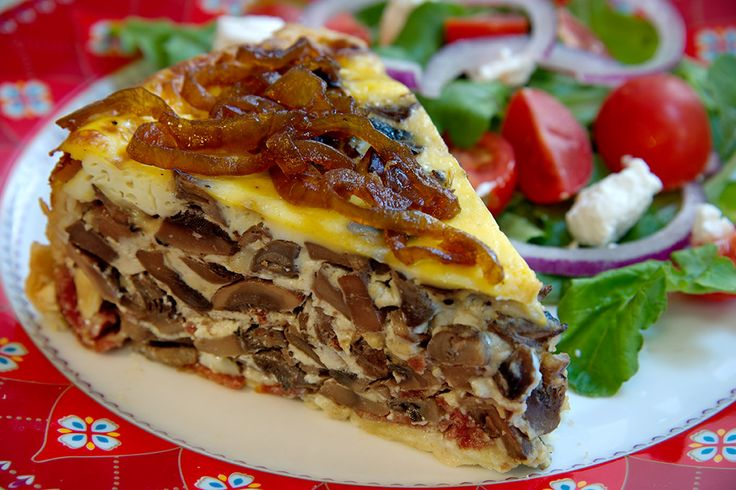 Homemade & hearty mushroom, leek & salami quiche - Old school comfort food at it's best. #CafeMozart #mushroom #salami #leek #quiche