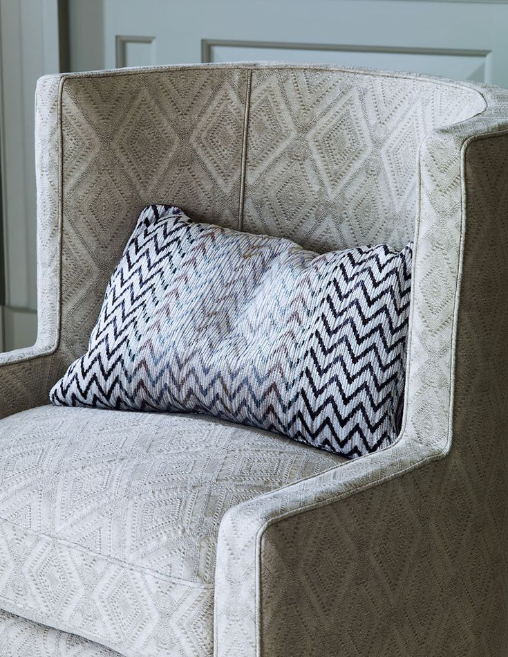 Colefax And Fowleru0027s Ingram (chair), And Jerome (pillow) #colefaxandfowler #